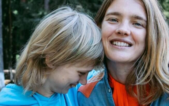 A modelo Natalia Vodianova e a irmã Oksana