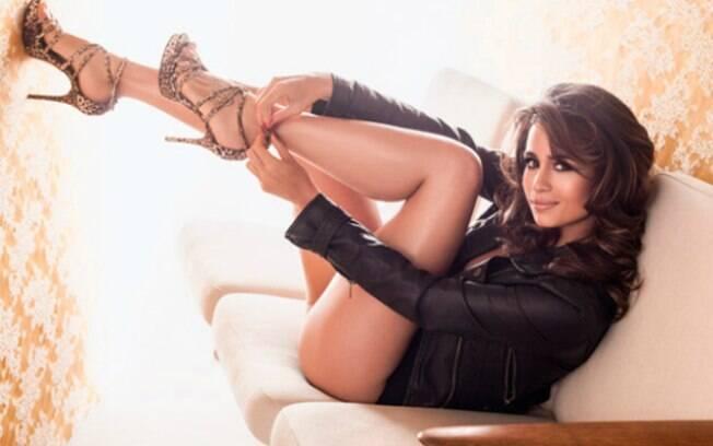 A atriz Nanda Costa foi o destaque da capa de agosto da Playboy