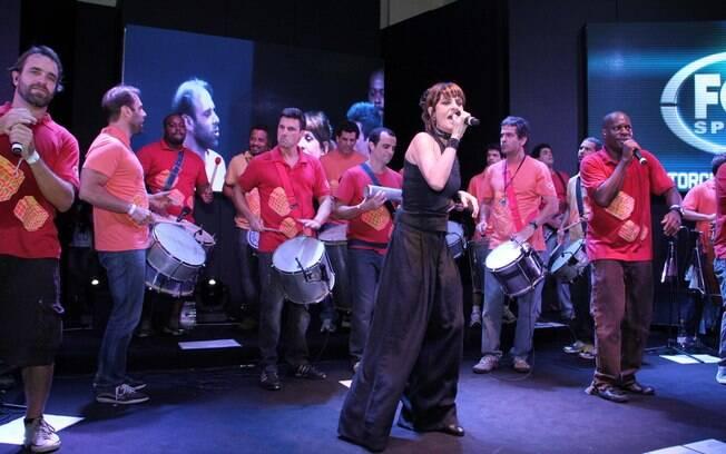 Fernanda Abreu apresentou show para os convidados