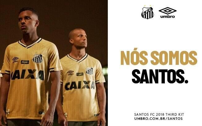 A terceira camisa do Santos Futebol Clube faz alusão a conquista do Bicampeonato Mundial de 1963