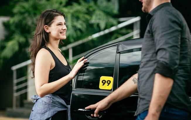 passageira e motorista de aplicativo