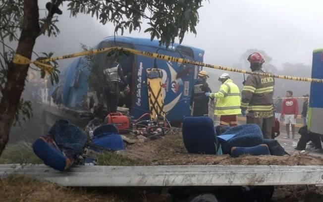 Acidente deixou 12 mortos e 30 feridos no Equador