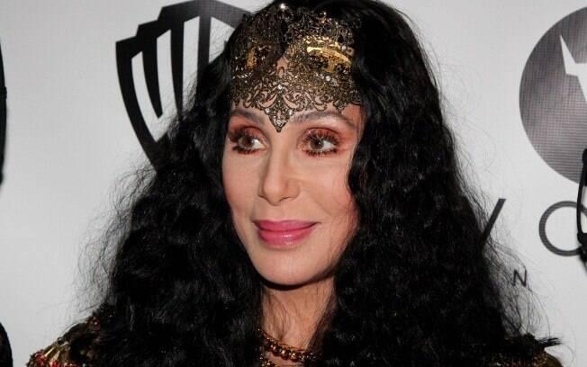 Cher se recusa a cantar em um país que tem lei contra a