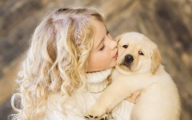 Crianças têm mostrado melhor relacionamento com animais de estimação do que com irmãos