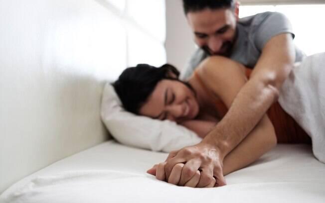 Saber como sentir prazer no sexo é uma dificuldade para algumas mulheres, mas algumas dicas podem facilitar