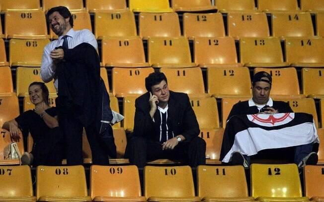 Os quatro torcedores que conseguiram, através  de uma liminar, o direito de ver o jogo do  Corinthians no Pacaembu
