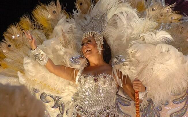 Maria do Carmo (Susana Vieira) desfila em