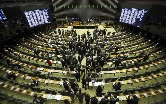 Participar de sessões conjuntas com senadores está entre o conjunto daquilo que o deputado federal faz