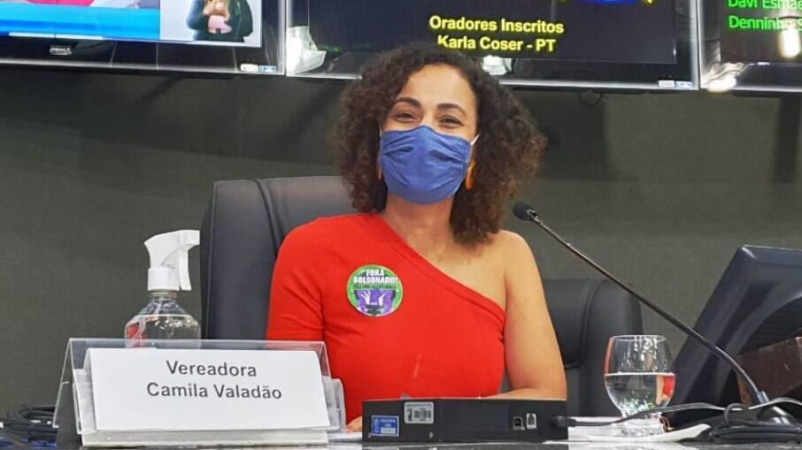 Vereadora Camila Valadão (PSOL) foi criticada pela sua escolha de roupa durante sessão na Câmara