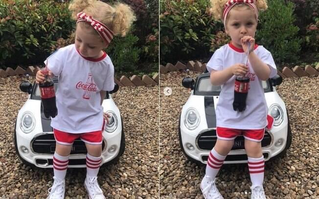 A pequena fashionista tem um Mini Cooper de brinquedo, com o qual às vezes posta para suas fotos exibindo as roupas
