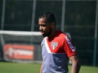 Alvaro Pereira está recuperado e pronto para voltar ao São Paulo