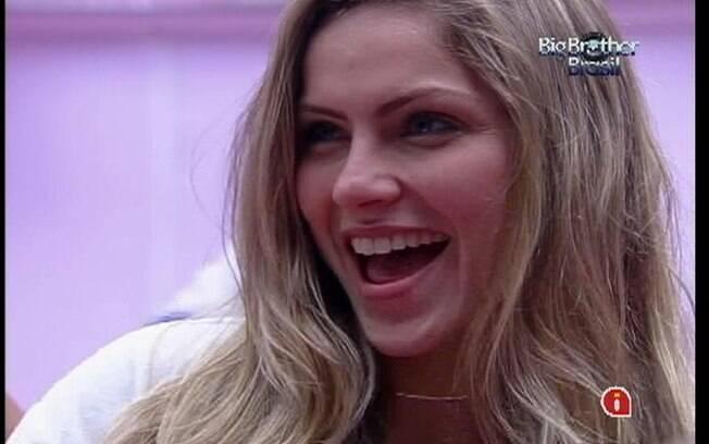 Renata diz não ver problemas em pessoas comprometidas dividirem a cama do Líder