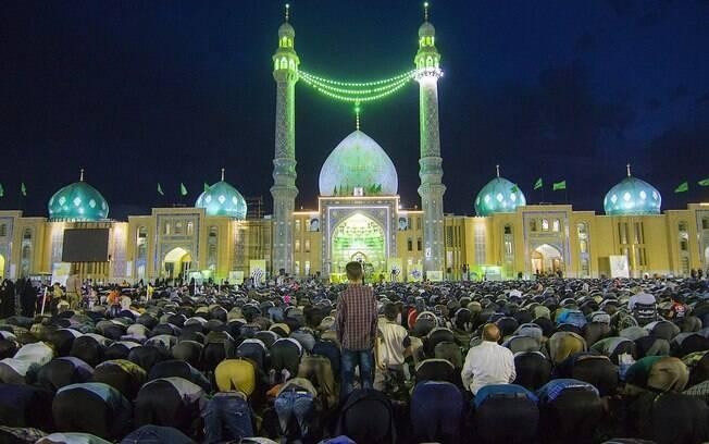 Mesquita de Jamkaran é um dos locais mais sagrados do País