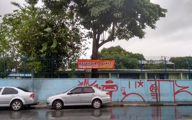 MUITOS ALUNOS POR SALA - Na rede estadual de São Paulo, as aulas começaram em 2015 com turmas superlotadas. Apesar do limite de 40 alunos, salas tinham até 85 matrículas. Foto: Cristiane Capuchinho/iG