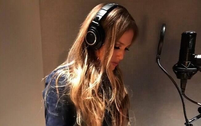 Jennifer Lopez em estúdio para gravar seu novo álbum