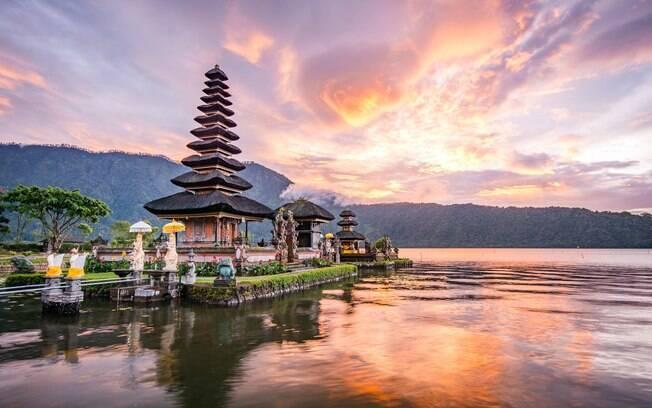 Bali, na Indonésia é um destino asiático que se destaca, principalmente, pelas praias atraentes