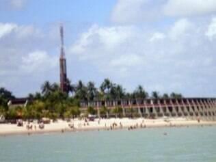 Praia de Tambaú fica perto de hotéis e oferece tranquilidade para curtir o verão