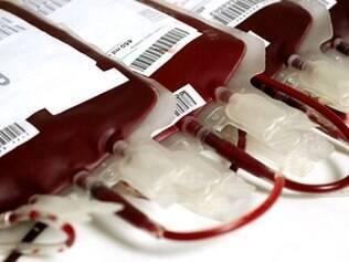 Homossexuais poderiam salvar vidas com doação de sangue