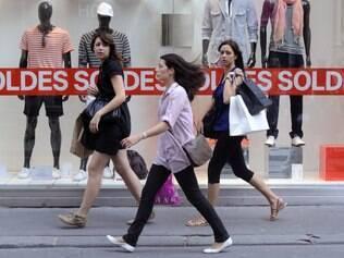 Paris inaugura sua temporada de descontos no dia 11 de janeiro