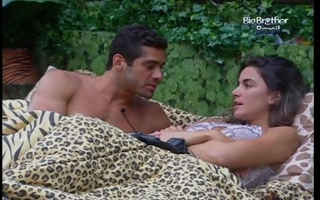 Yuri quer que Laisa contenha sua comemoração caso Ronaldo seja eliminado