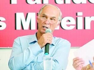 Antônio Andrade afirmou que o PSDB ofereceu dinheiro ao PMDB