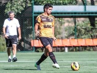 Recuperado de lesão, Guilherme retorna aos planos do técnico Cuca