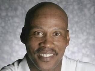 Byron Scott assume o Lakers pelas próximas quatro temporadas