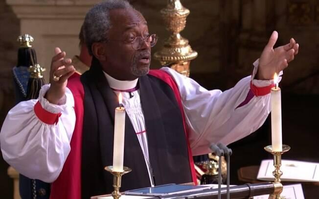 O bispo americano Michael Curry citou Martin Luther King no casamento do príncipe Harry com a atriz Meghan Markle