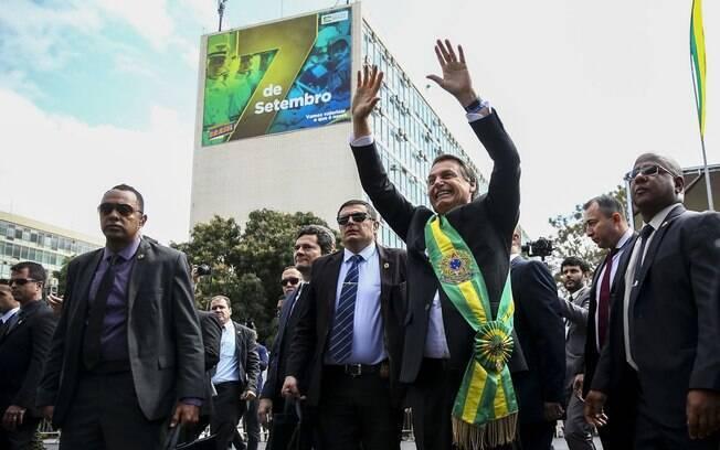 Agentes simulam esquema de segurança em caso de ataque ao presidente da República.