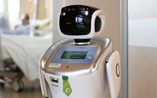 Robô consegue identificar se pessoas estão usando máscaras corretamente além de medir temperaturas