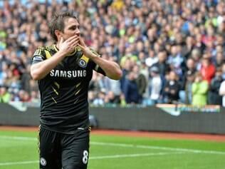 Com tentos anotados diante do Aston Villa, Frank Lampard converteu-se no maior goleador da história dos Blues