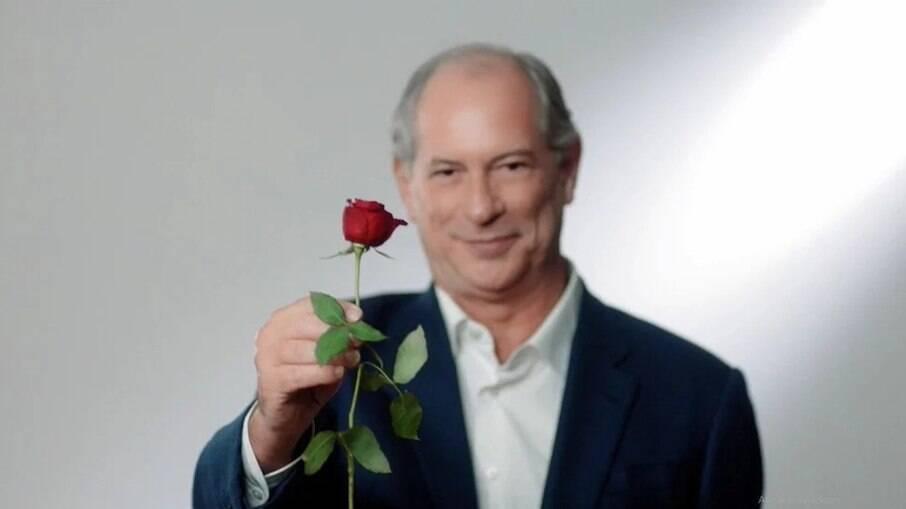 Ciro Gomes: PDT anuncia distribuição de 2 mil rosas na Avenida Paulista durante ato