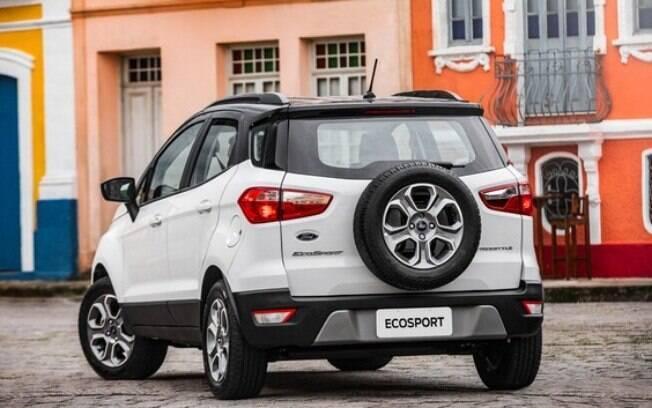 EcoSport Freestyle não traz os pneus runflat, como se observa na presença de estepe no exterior do porta-malas