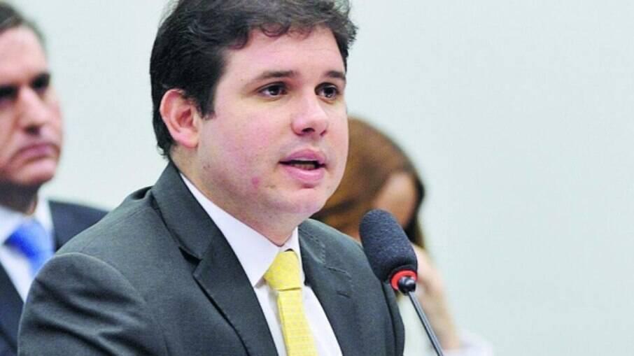 Hugo Motta (Republicanos-PB) deve convocar ministros e o presidente do STF para debater precatórios