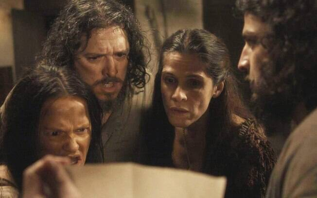 Hugo revela que é filho de Licurgo e o novo dono da taberna, em