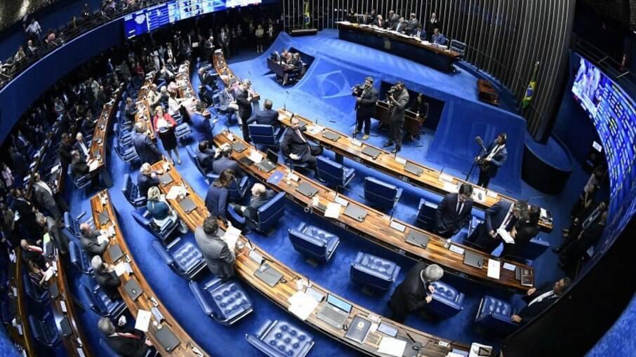 Texto aprovado pelos senadores é visto como primeiro passo para a reforma administrativa
