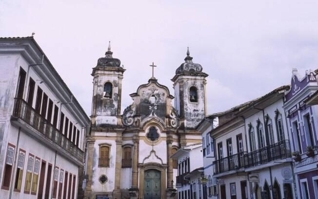 Igreja Matriz Nossa Senhora do Pilar chama a atenção dos visitantes em Ouro Preto