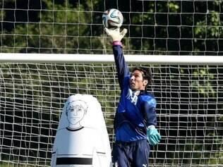 Titular, Buffon é um dos principais jogadores da seleção italiana