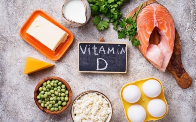 Alimentos citados pela especialista que podem ajudar na reposição da vitamina D