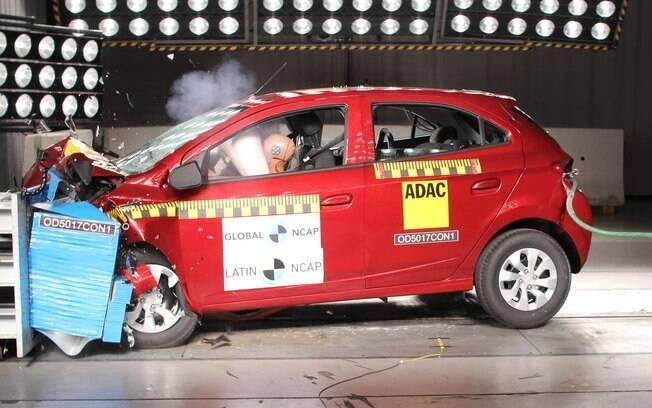 Agora o Chevrolet Onix vem com mais equipamentos de segurança e reforços estruturais