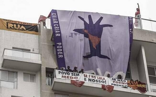 Tríplex do Guarujá atribuído a Lula foi ocupado pelo MTST