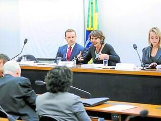 """Paralelo. Enquanto CPI da Petrobras ganha manchetes, deputados avançam """"em silêncio"""" nas investigações da exploração sexual infantil"""