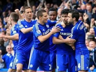 Em mais um lance de assistência de Fàbregas, Diego Costa cravou vitória do Chelsea