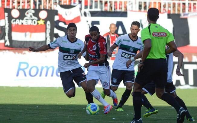 Figueirense e Joinville fizeram um jogo disputado na primeira partida da  decisão do Campeonato Catarinense. b4ef51d09f87d