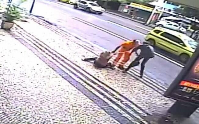 Homem usou roupa de gari para realizar assalto no Rio de Janeiro