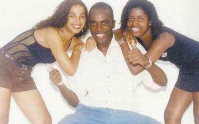Valesca Popozuda (à esquerda) aos 17 anos de idade