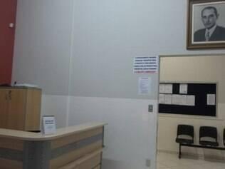 No gabinete do prefeito, o cartaz também foi colocado