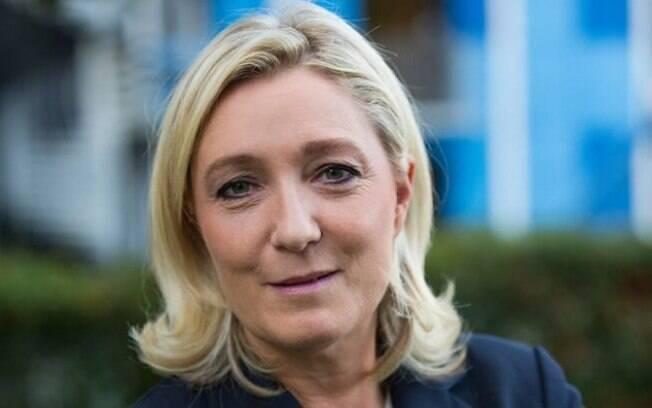 A equipe de Marine Le Pen disse que aguarda pronunciamento do presidente Emmanuel Macron