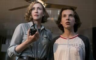 """Millie Bobby Brow e atores de """"Godzilla"""" explicam o que é Monarch"""