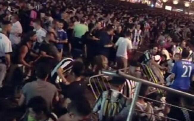 Torcedora morre 12 dias após confusão e terror em praça de Turim